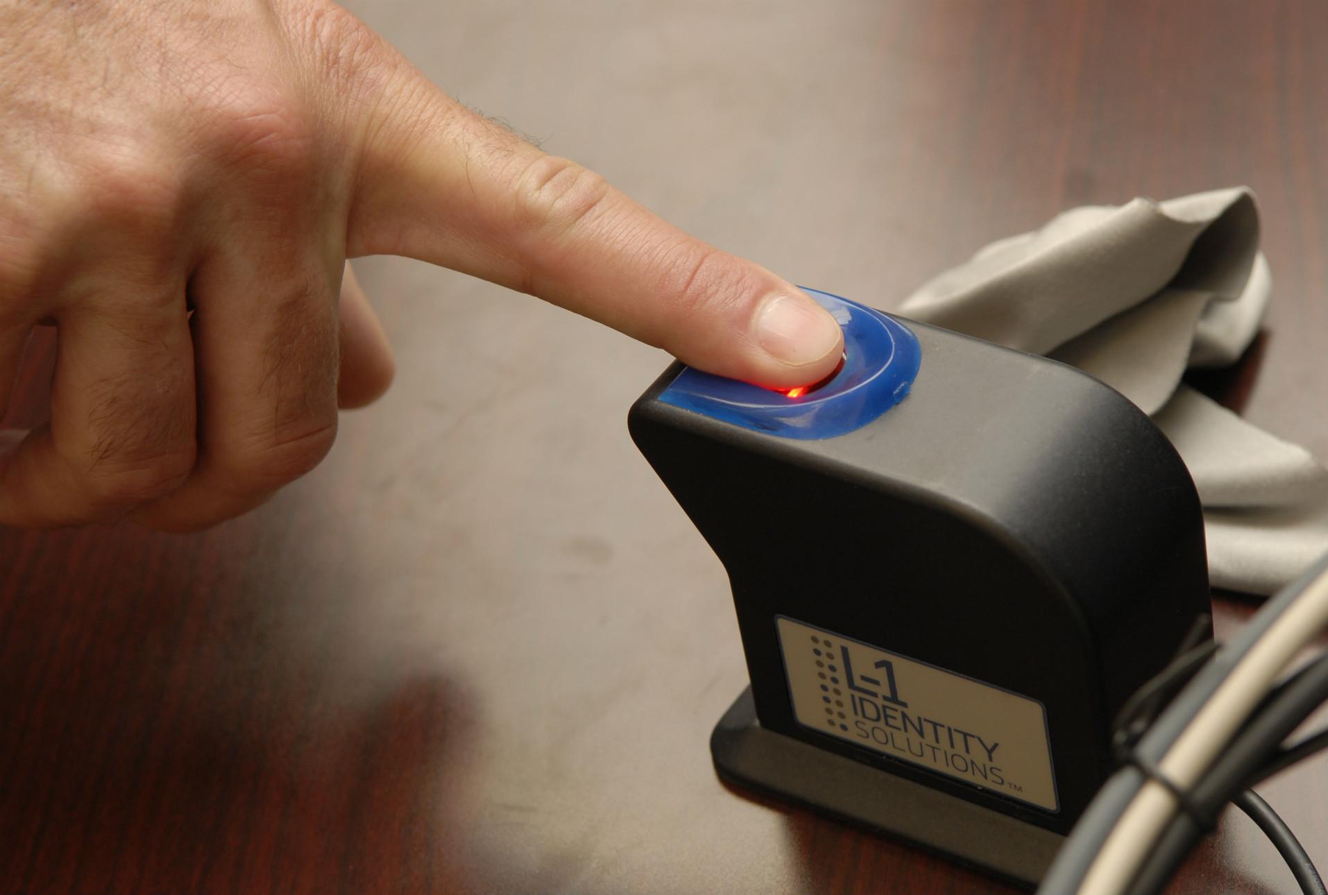 Investigadores logran engañar sistemas de seguridad biométrica con huellas dactilares artificiales