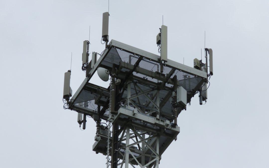 Las teorías de conspiración sobre el 5G distraen la discusión sobre sus posibles impactos