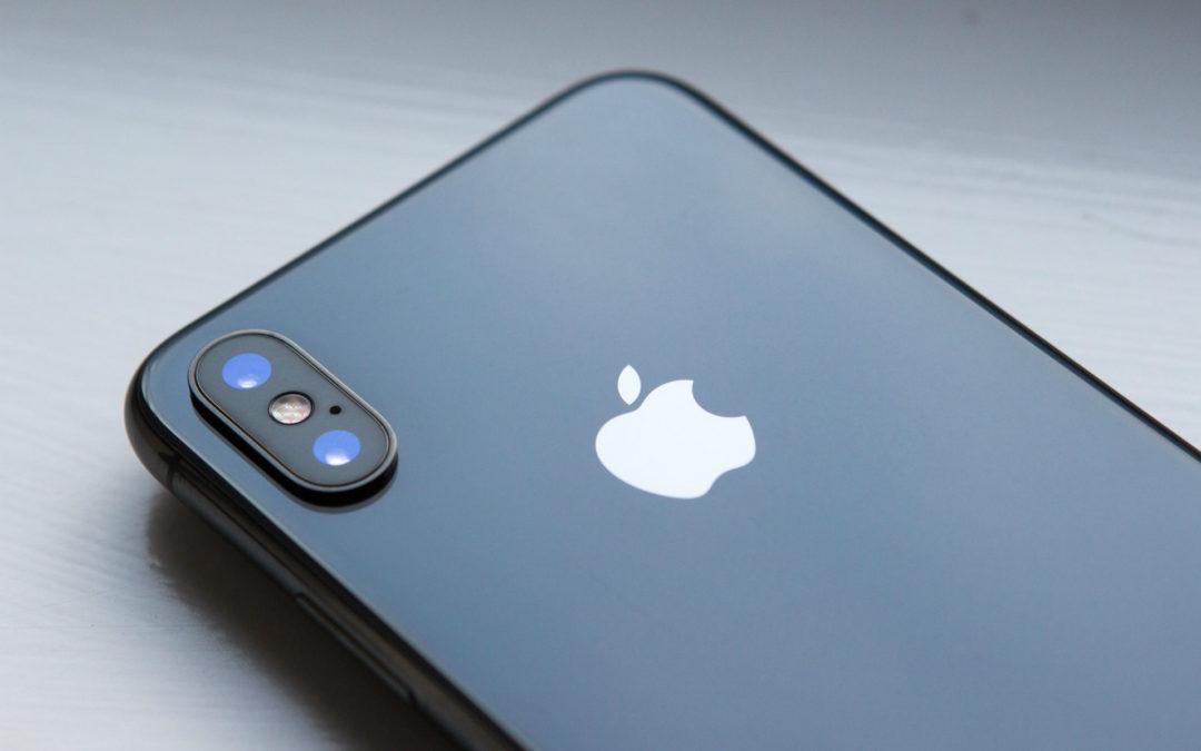 """Apple combate el derecho a reparar argumentando que arreglar un iPhone """"es peligroso"""""""