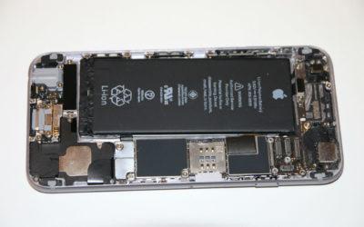 Apple no quiere que cambies la batería de tu iPhone con un reparador independiente