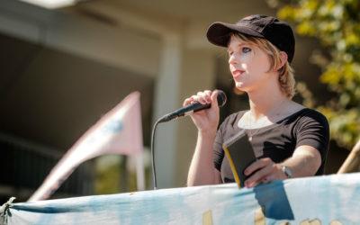 Chelsea Manning sale de prisión tras casi un año de confinamiento