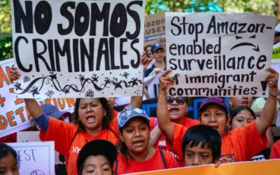 Manifestantes exigen a Amazon que deje de proveer servicios a autoridades migratorias de EE.UU