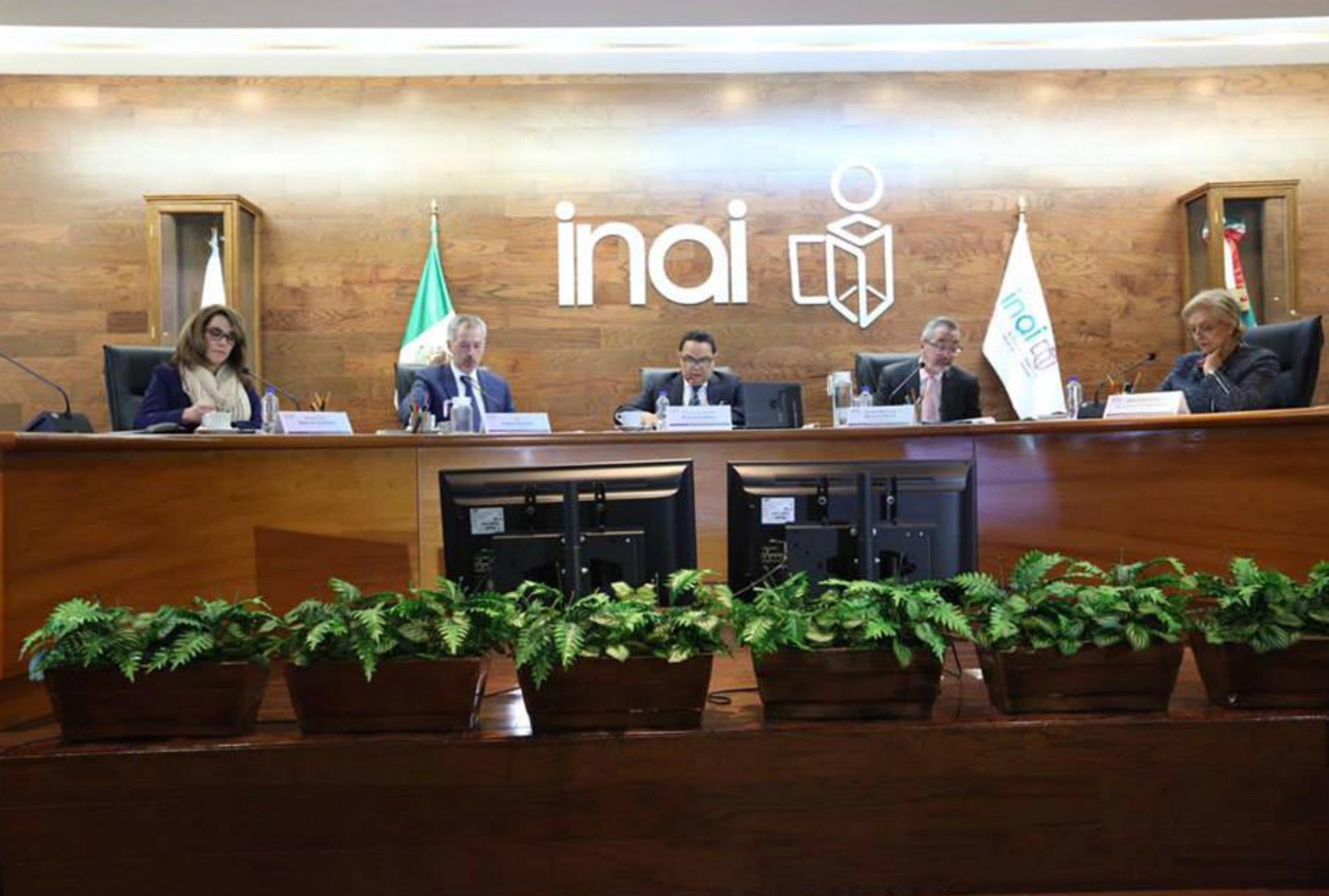 R3D llama al INAI a no recurrir la sentencia que considera documentos sobre Pegasus como información pública