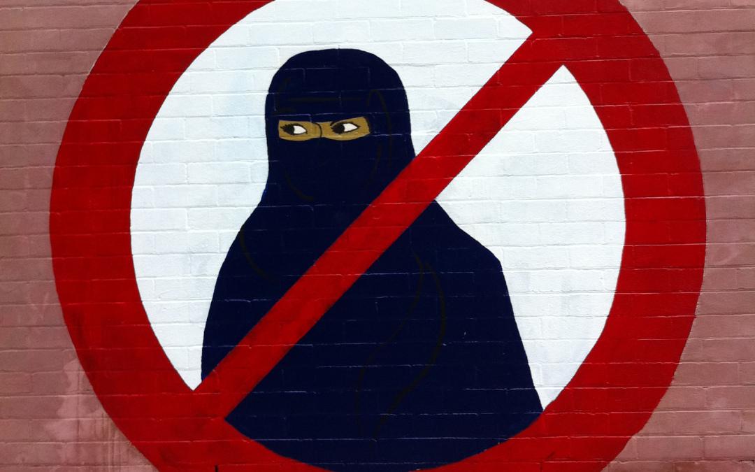 La política de Facebook contra el terrorismo se ensaña con comunidades musulmanas y no caucásicas