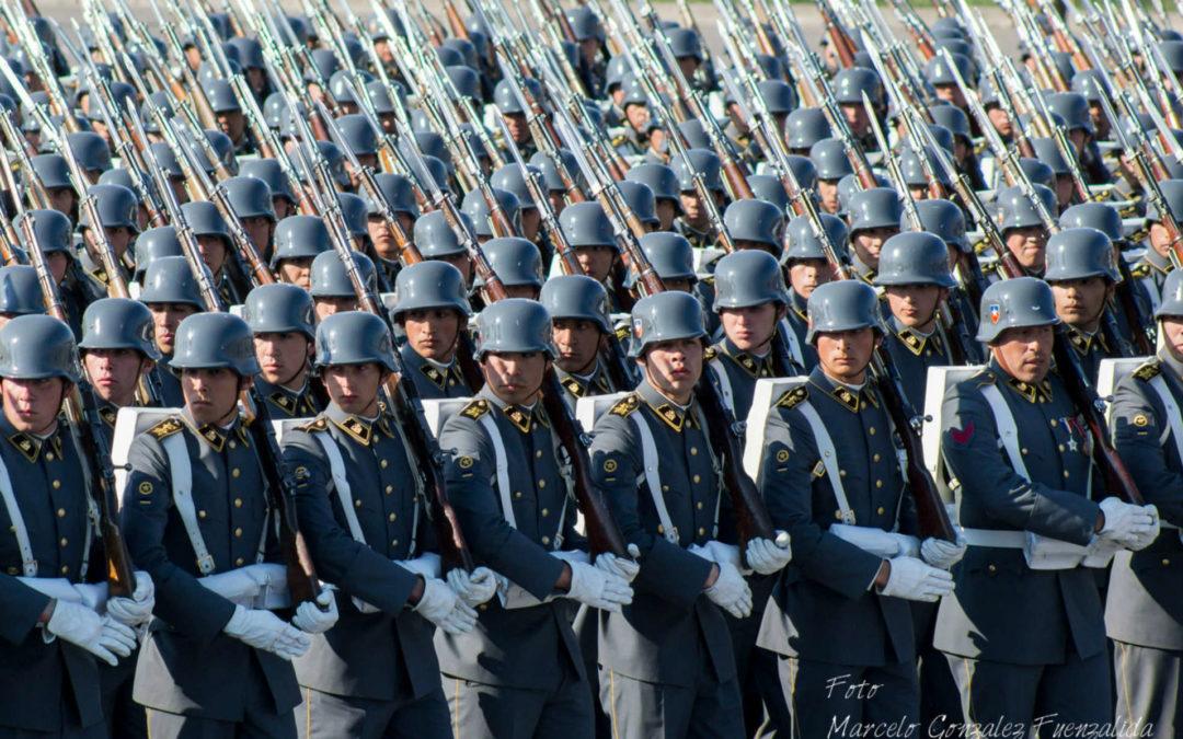 Piden investigar al ejército chileno por espionaje contra periodista anticorrupción