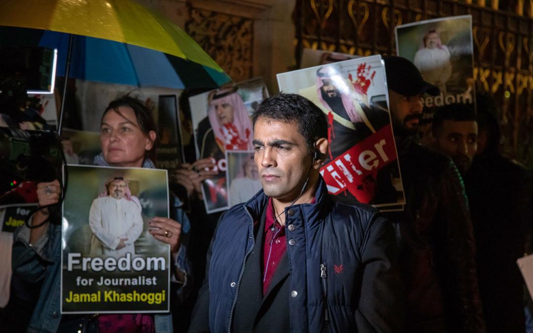 Disidente saudí demanda al gobierno árabe por utilizar Pegasus para espiarlo