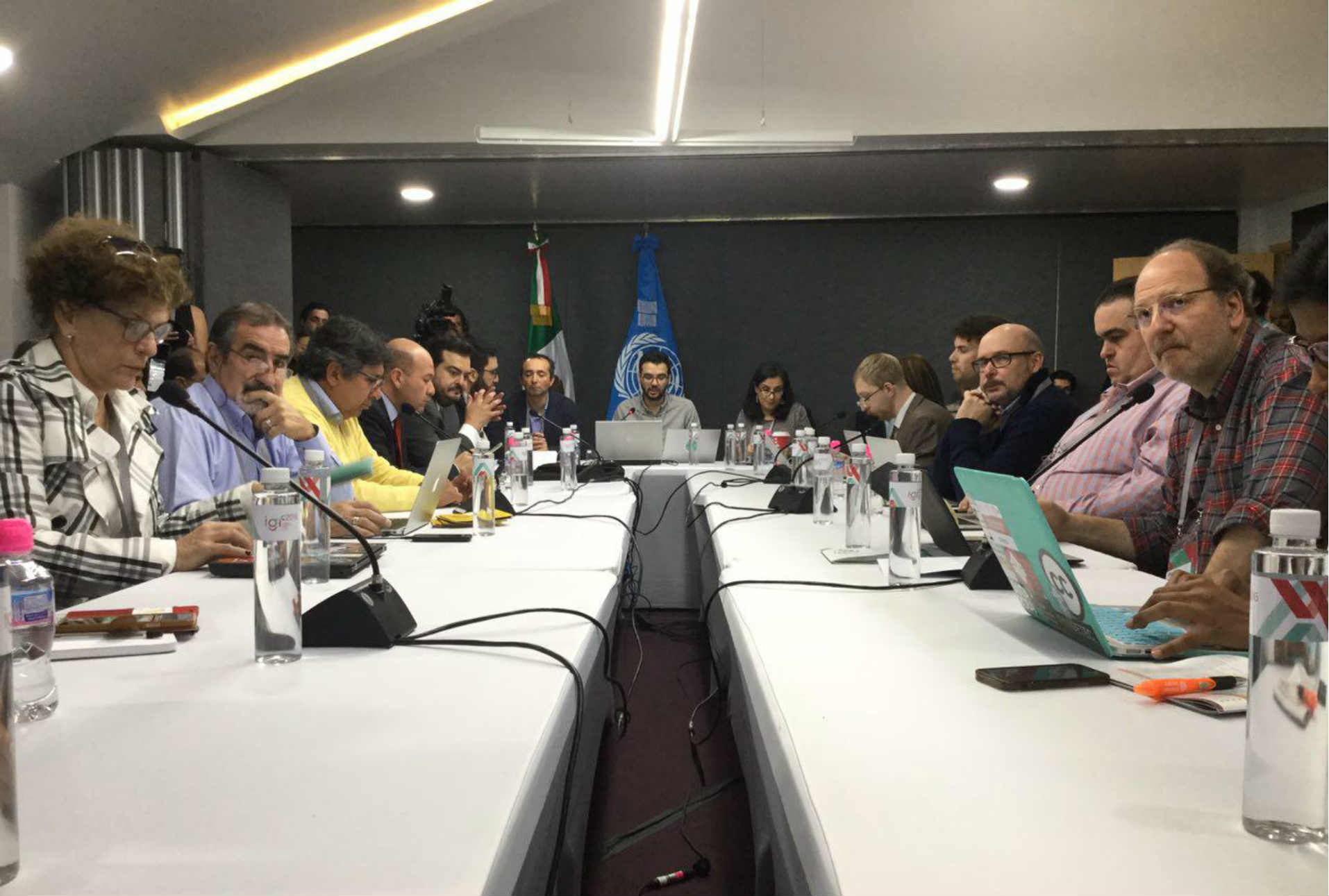 Múltiples partes interesadas discuten el derecho al acceso a Internet en América Latina durante IGF 2016