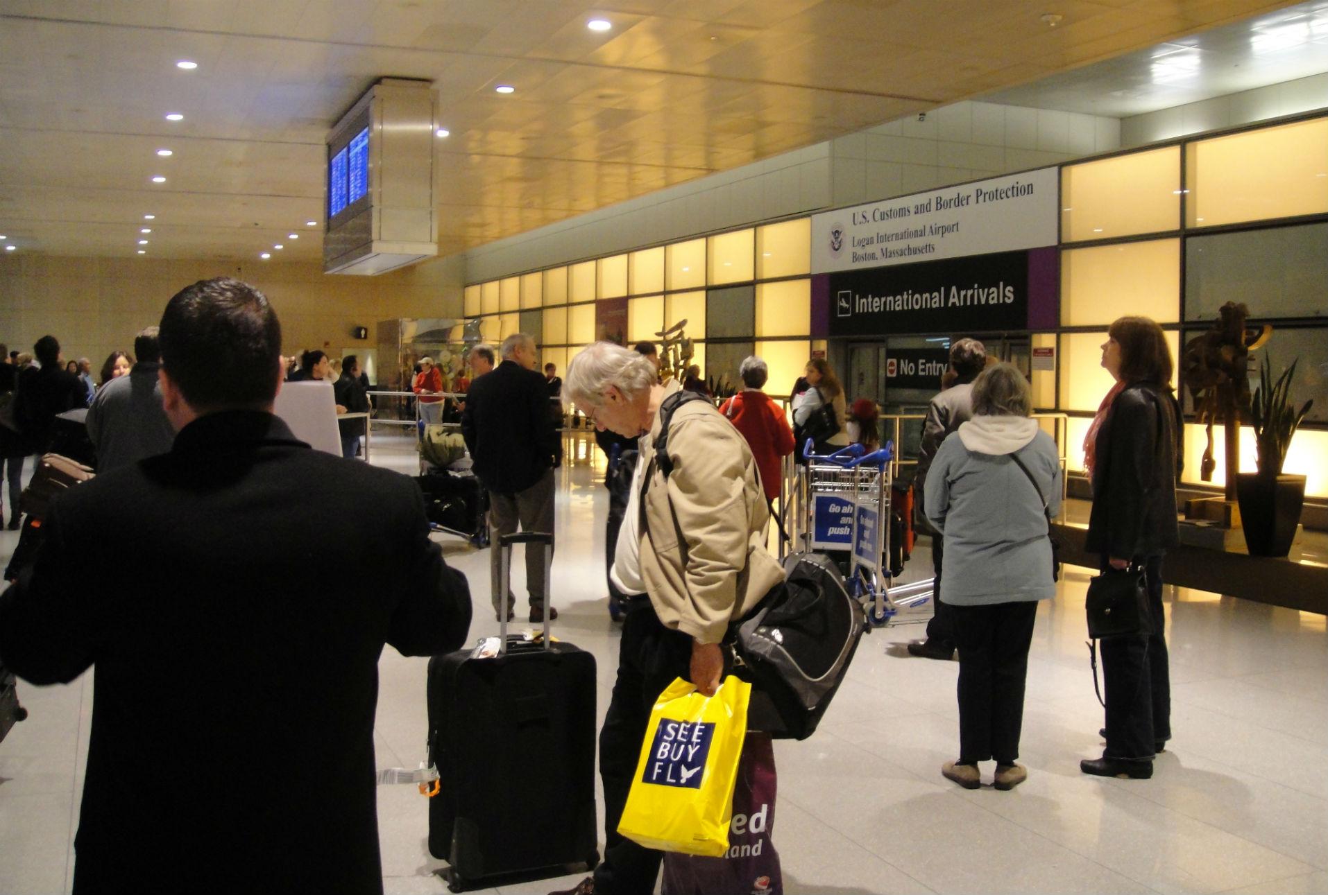 Estados Unidos busca crear registros biométricos para aeropuertos