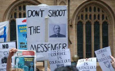 La administración Trump acusa a Julian Assange de violar el Acta de Espionaje