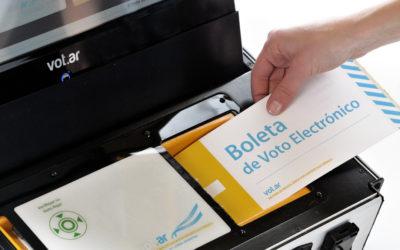 Personas que investigan las fallas del voto electrónico en América Latina son criminalizadas