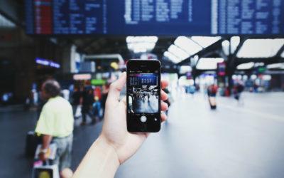 Corte de EE.UU. determina que las revisiones arbitrarias a dispositivos de viajeros son inconstitucionales