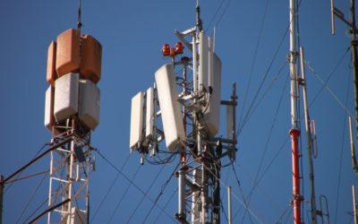 Las #GolondrinasEnElAlambre del gobierno federal: Torres falsas de telefonía para recolectar información de personas
