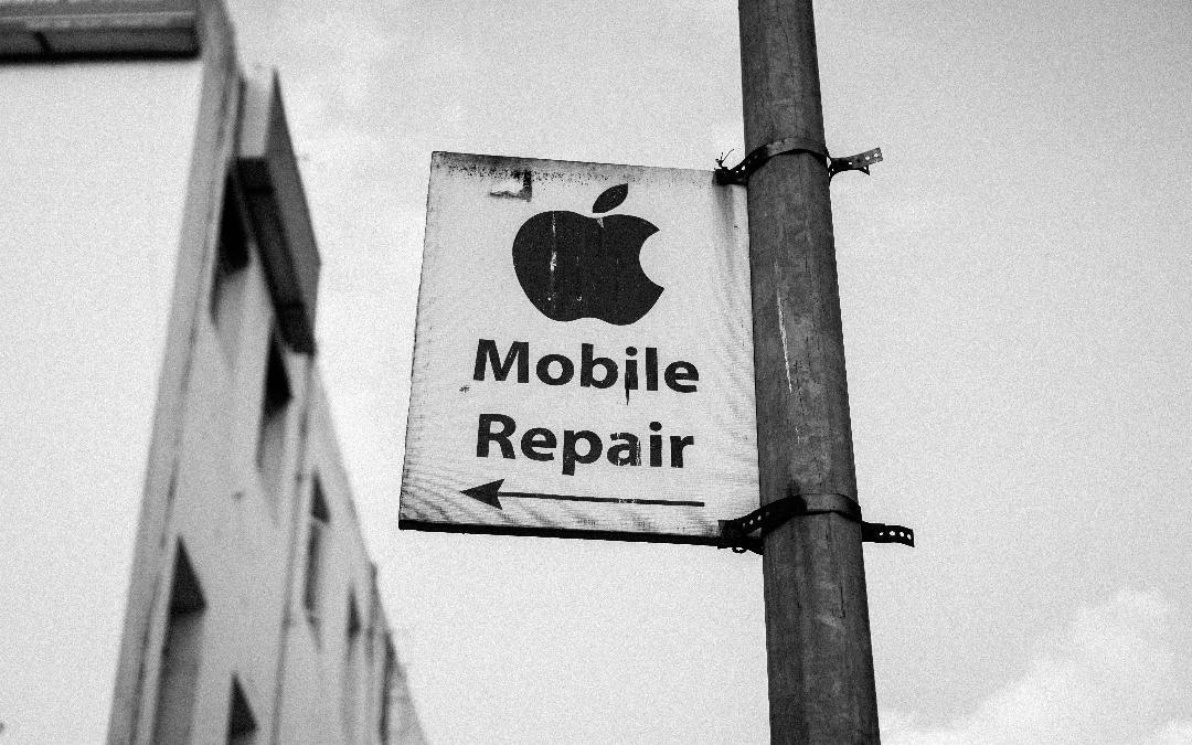 Apple entrena a técnicos para demeritar reparaciones independientes