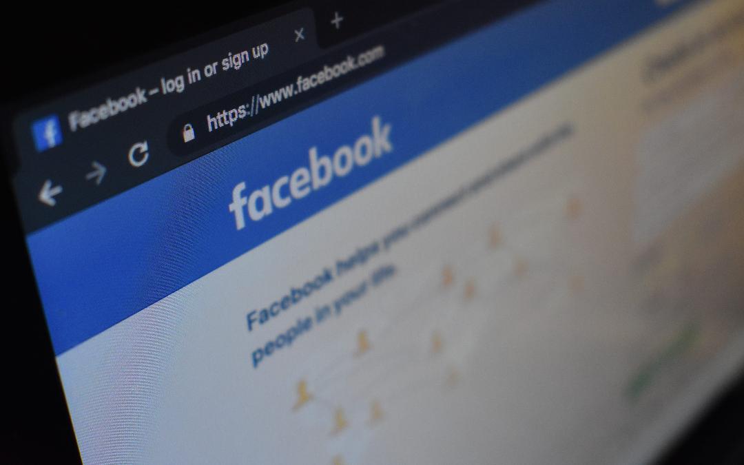 Facebook entorpece a investigadores independientes con código basura que afecta la accesibilidad de su sitio